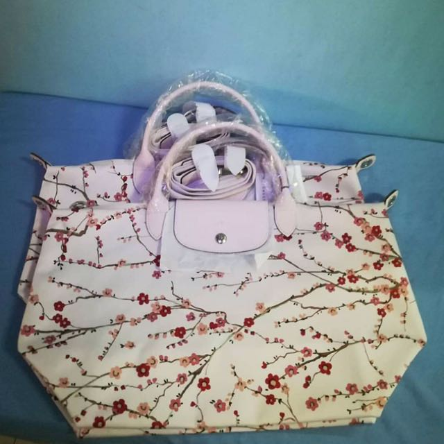 Authentic Longchamp Sakura Ltd Edition Bag (MSH)