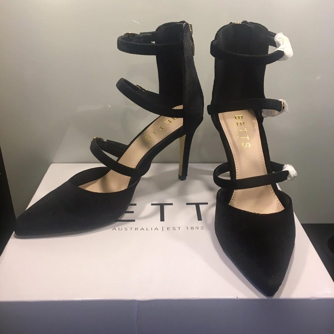BETTS Black Heels