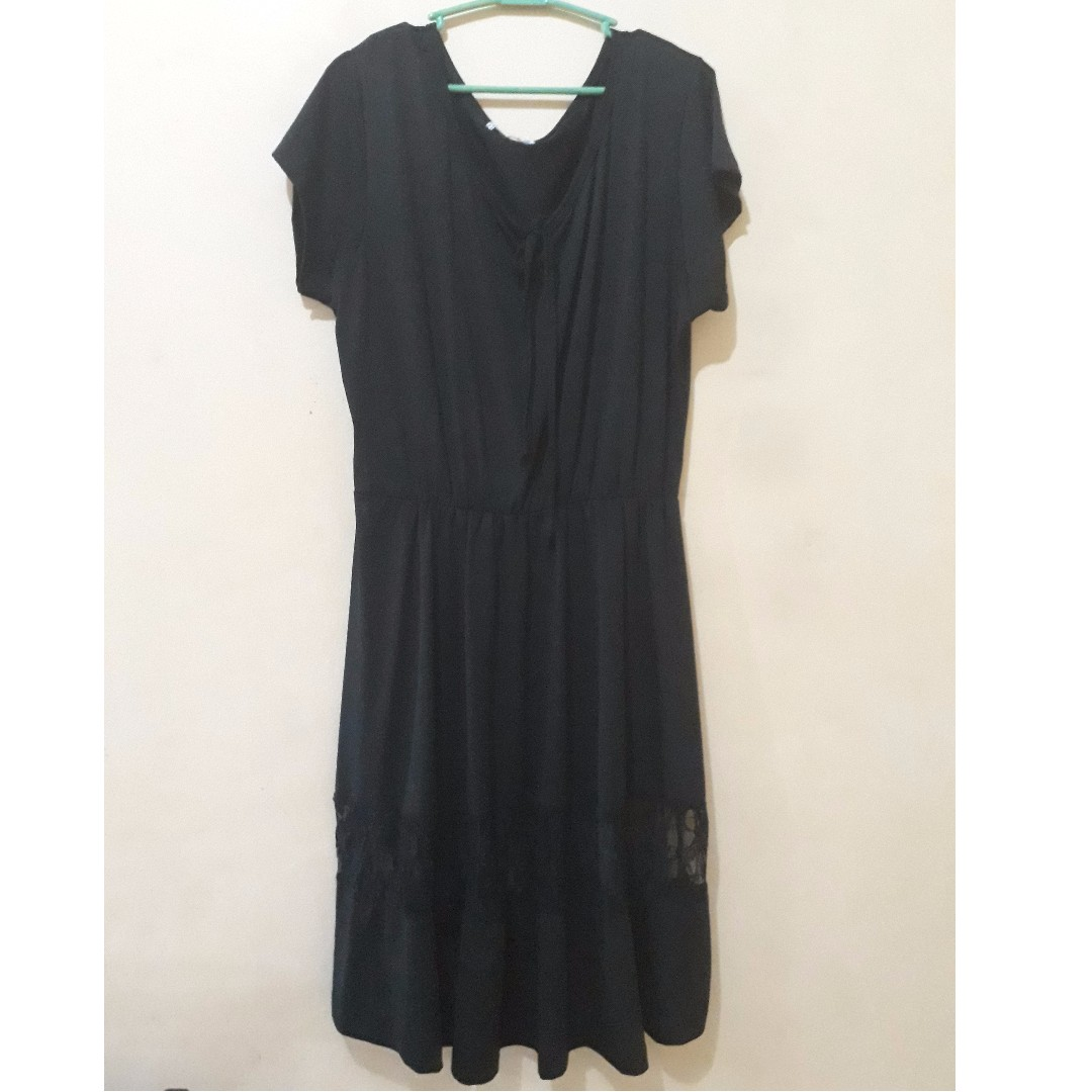 Black Dress with lace detail 2x-3x - Preloved