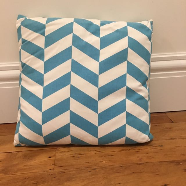 Blue/ White Geometric Throw Cushion