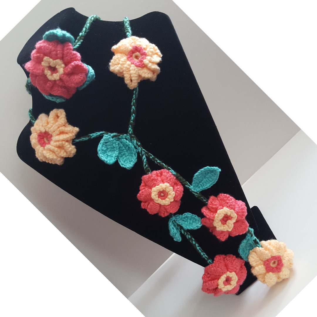 Crochet Layered Flowers and Vines Dangling Necklace