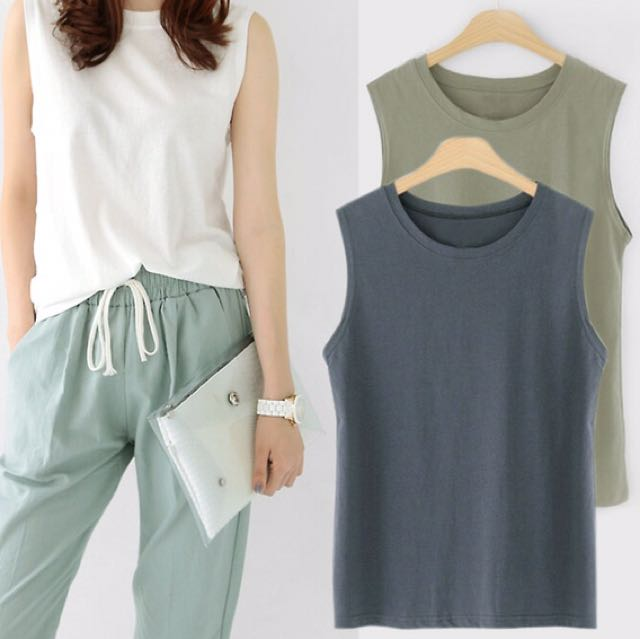 dark grey muscle tank/sleeveless shirt