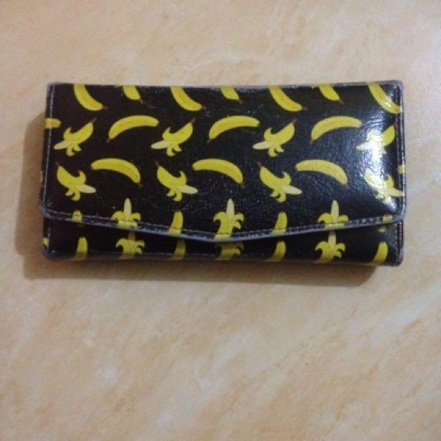 Dompet banana hitam
