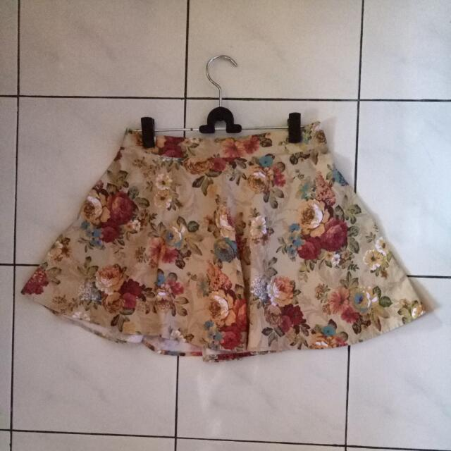 Flowerly Yellow Skirt