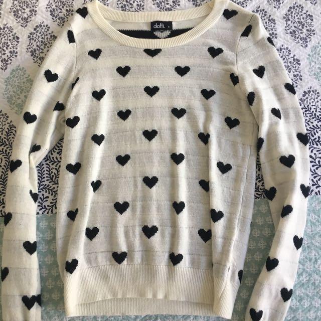 heart print sweater 🌻