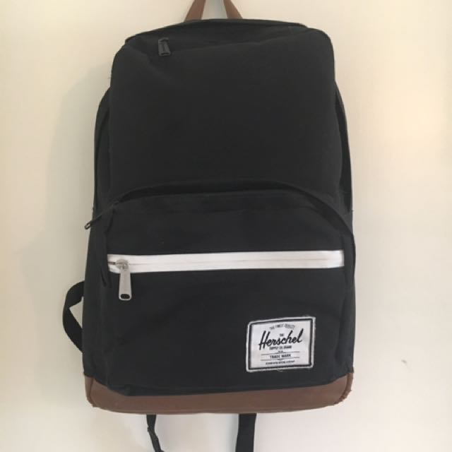 Herschel Backpack - Black