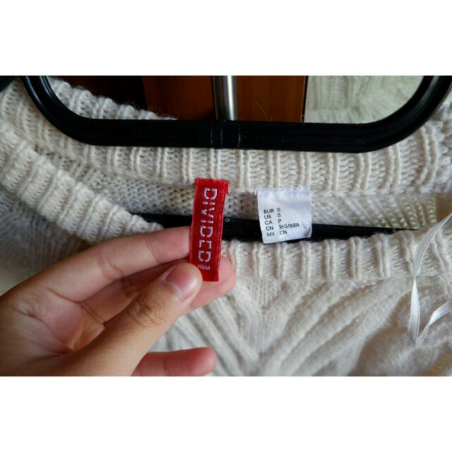 H&M Divided White Sweater