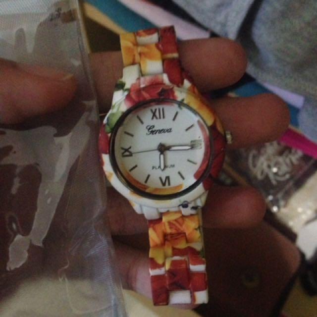 jam tangan motif bunga