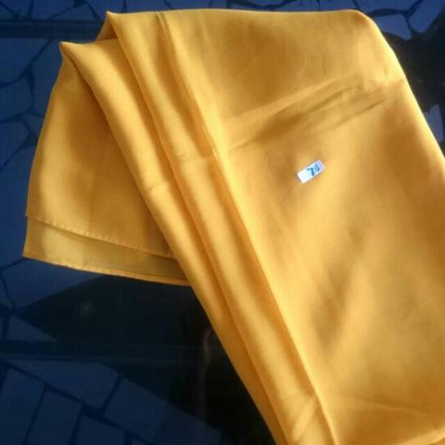Jilbab Kuning Polos