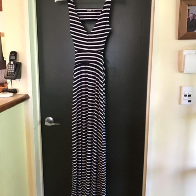 Maxi Dress - Open Back