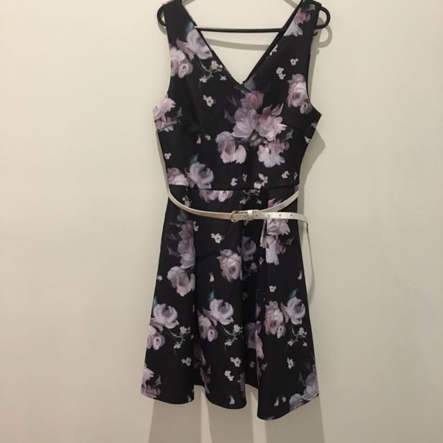 Medium Stretch Floral Dress With Belt