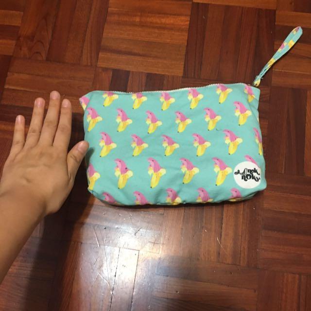 泰國🇹🇭購入noknok粉紅海豚🐬❤️香蕉🍌化妝包