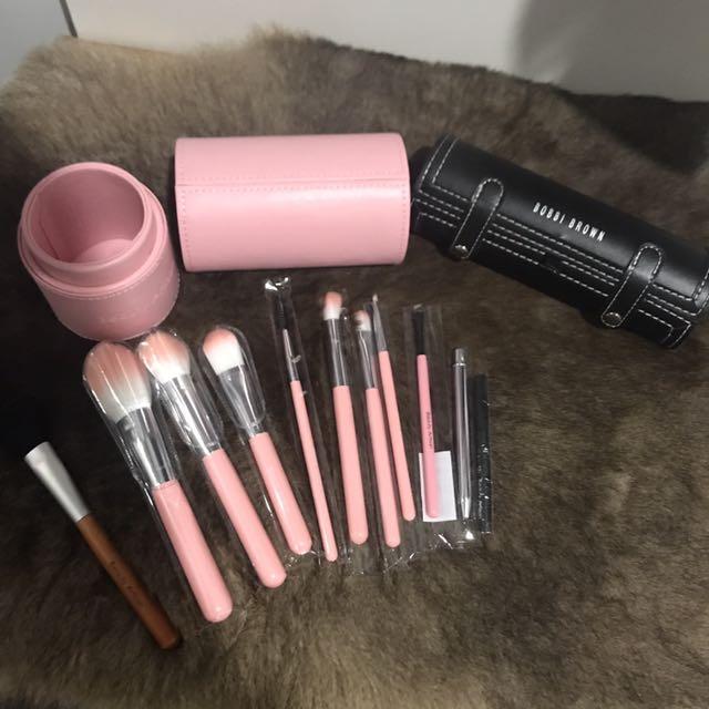Pinky 11 pcs Brush Set + Bobbi Brown Case