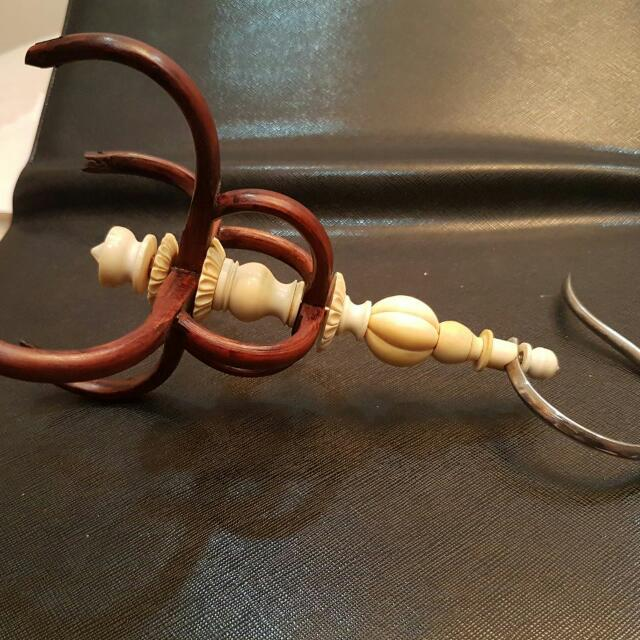 Puteh Cage Holder Old Ivory Selling Away For $280 FCFS Price Is Firm
