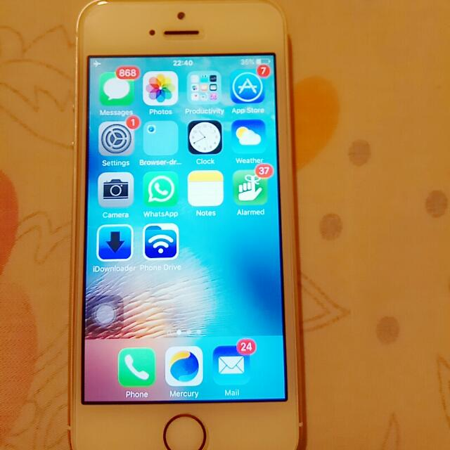 Selling iPHONE 5S - Storage 16GB, Color: Gold, Factory Unlocked