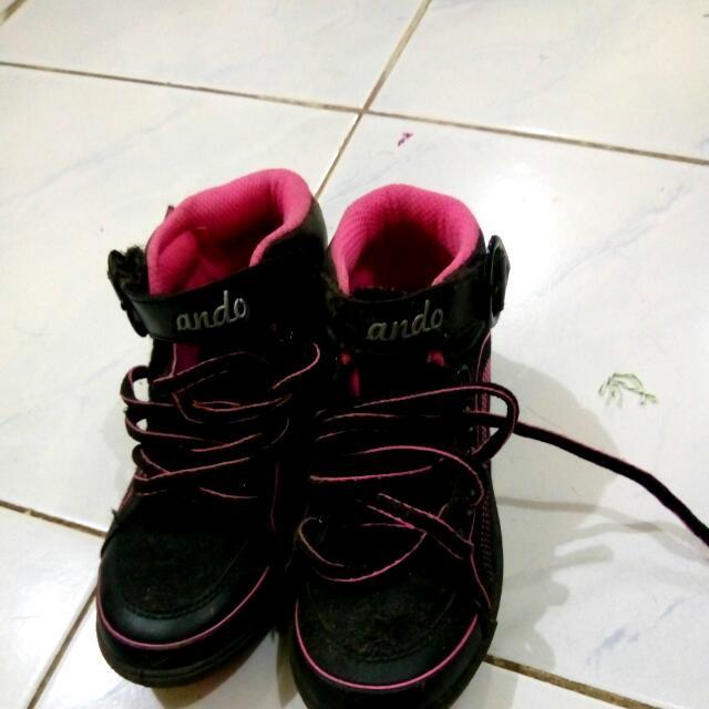 Sepatu Ando Anak Wanita
