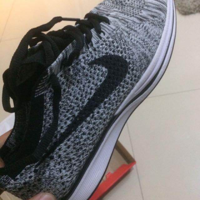 Sepatu Sneakers Nike Flyknit Racer