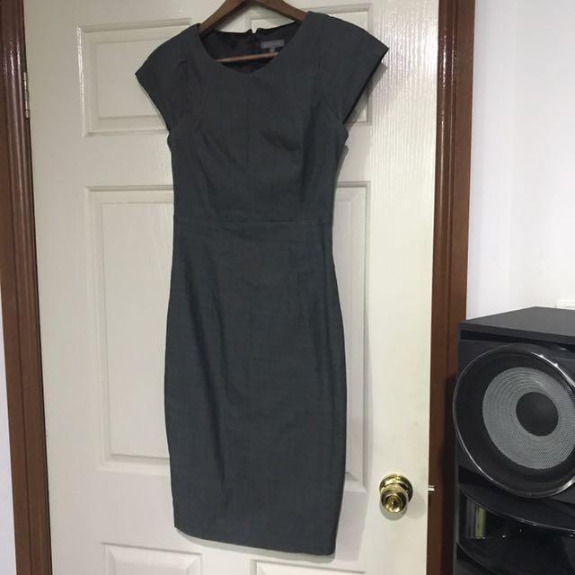 Sheike Dress Size 8