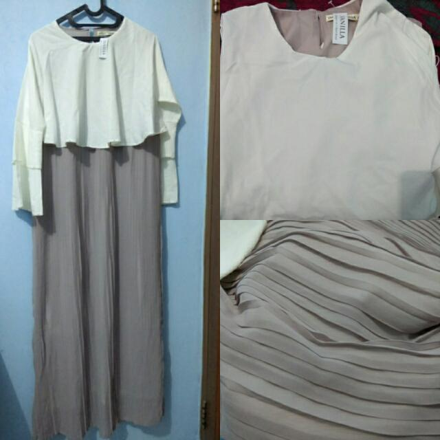 Shiren Pleats Dress Dusty by Vanilla Hijab
