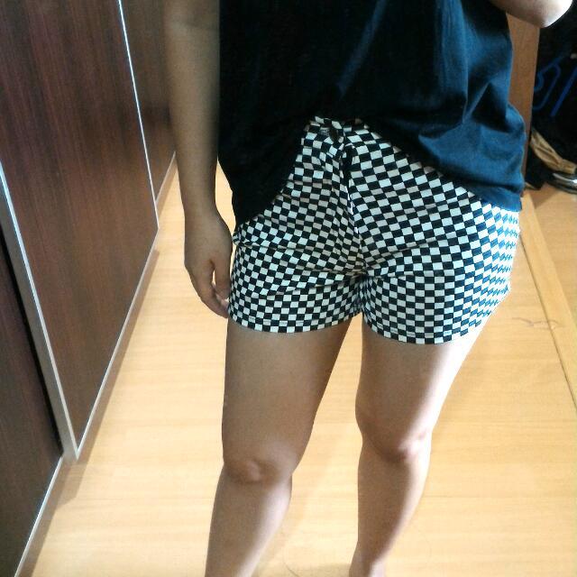 Short Pants Kotak Kotak
