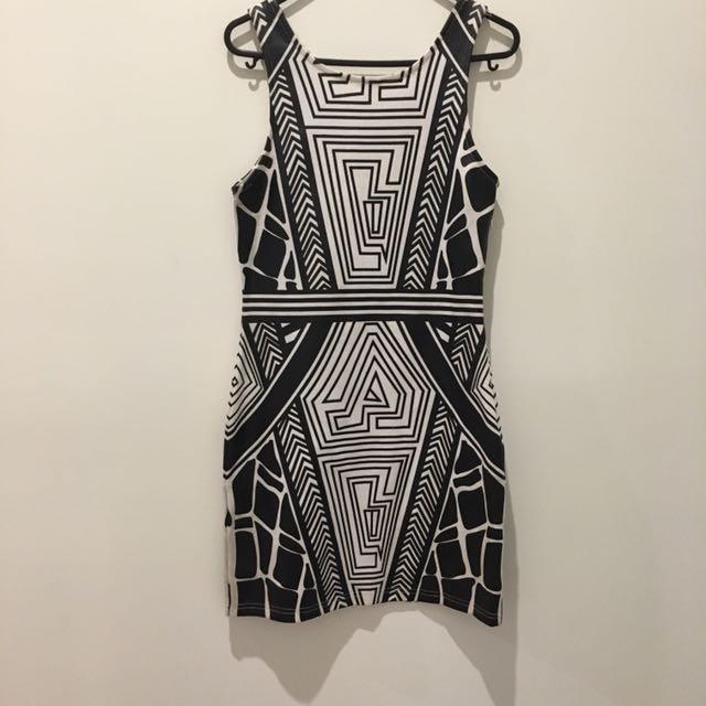Size 10 Aztec Print Dress