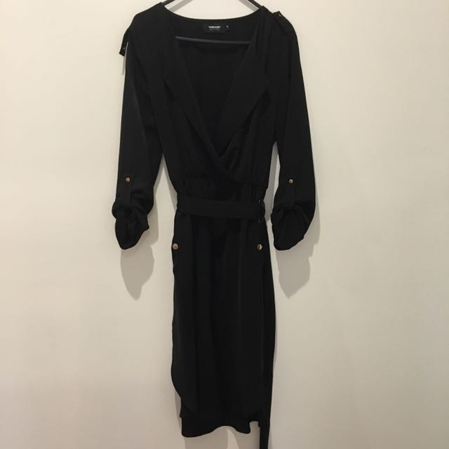 Size 12 Black 3/4 Sleeve With Belt