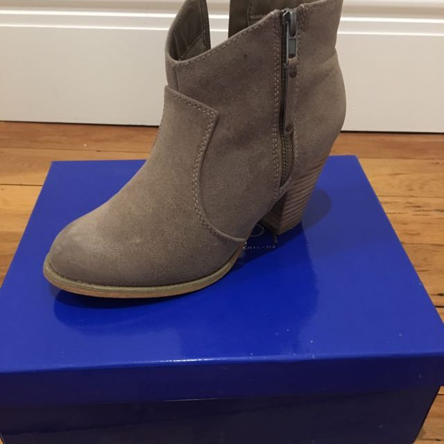 Size 7 Grey Therapy Ankle Boots