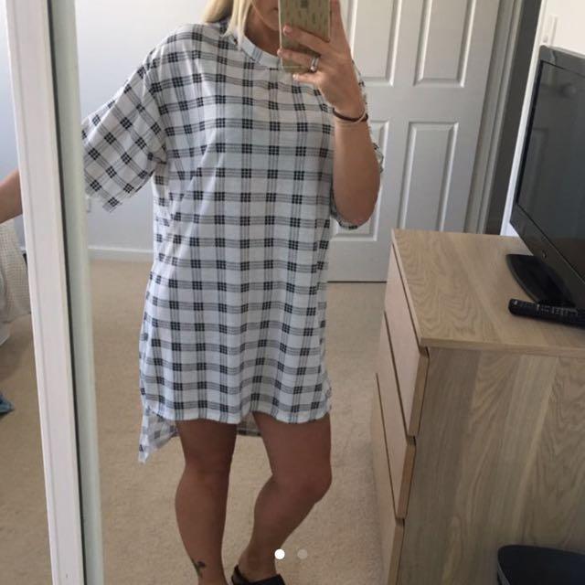 Woman's Dress Size 8