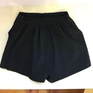 全新 鬆緊短褲