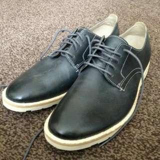 Clarks Shoes UK7