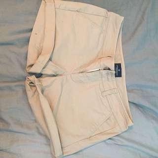 Khaki Shorts / American Eagle