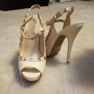 Valentino Inspire Heels 6.5 Size