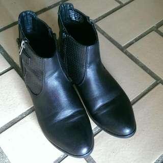 CORELLI Womens Black Boots Size 38