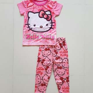 Hello Kitty set in pink