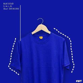 T-Shirt / Blue Solid