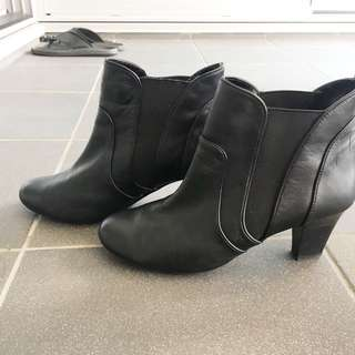 Black Super Soft Ankle Boots Size 7.5c