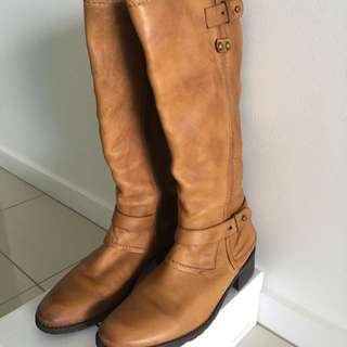 Witner Tan Tall Boots Size 39