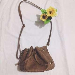 Round Sling Bag (Brown)