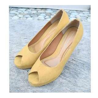 Yongki Komaladi High Heels