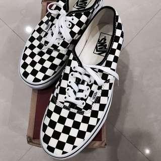 Vans Checkerboard Authentic (Men US7.5/Women 9.0)