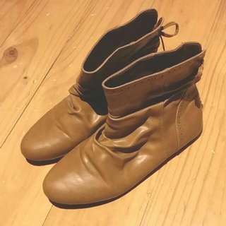 Novo Edison Ankle Boot US7