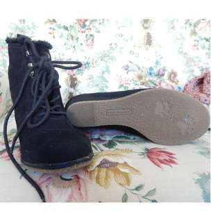 Hush Puppy Black booties- Size 8