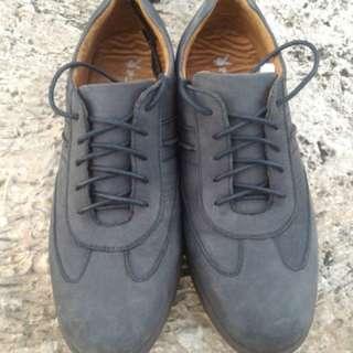 Sepatu Playboy Detroit Lace Black 430 original size 43 (27.5 cm).