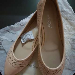 BNWB Light Pink Flat Shoes