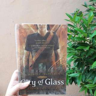 #3 The Mortal Instrument: City Of Glass