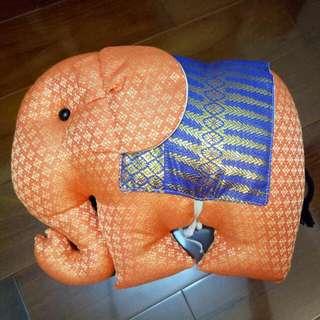 泰國大象抱枕 玩偶 娃娃
