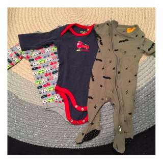 3 one piece sleeved outfit baby set