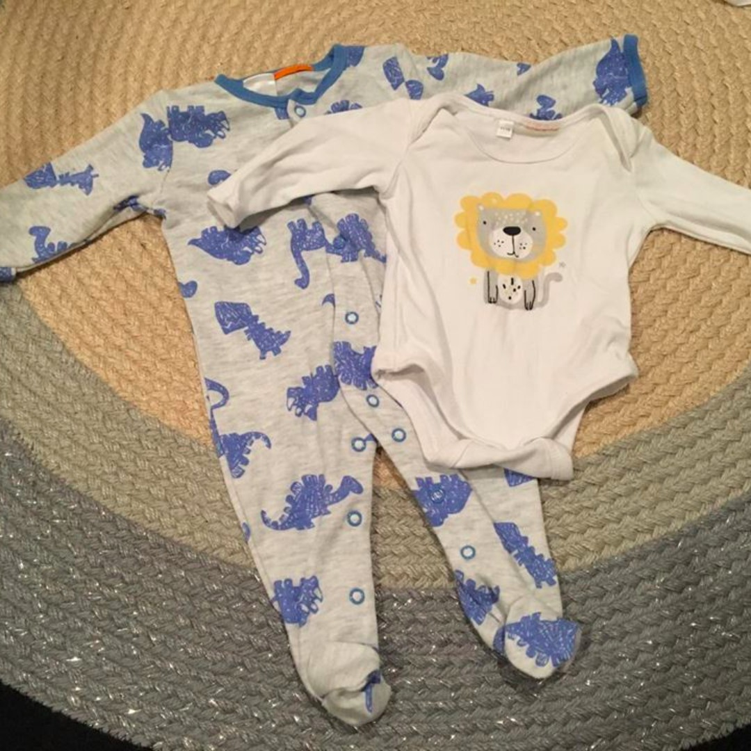 2-piece sleeved outfit baby set