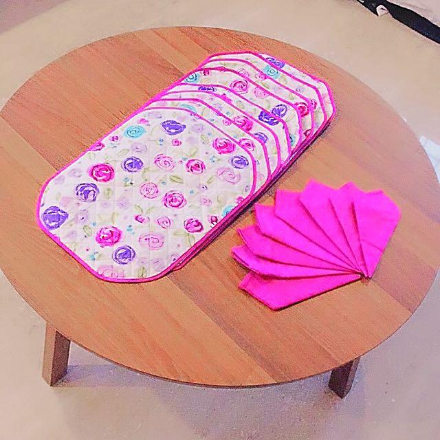 8pcs Quilt Placemats & 8pcs Hand Towels
