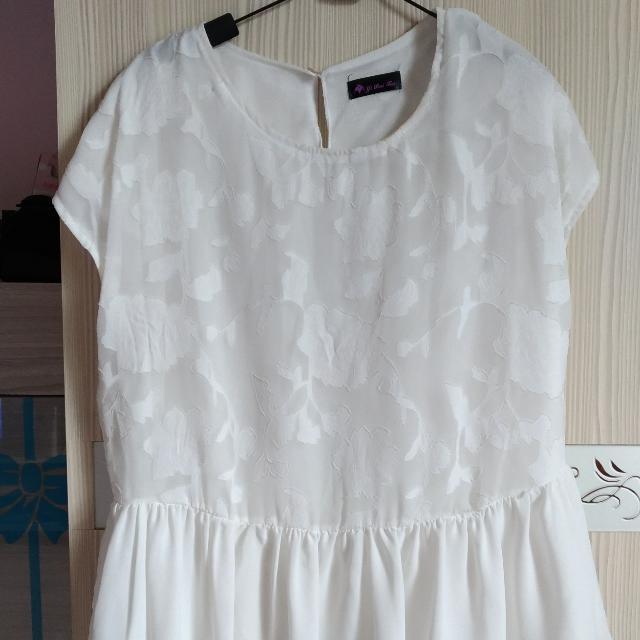 白色雪紡衫